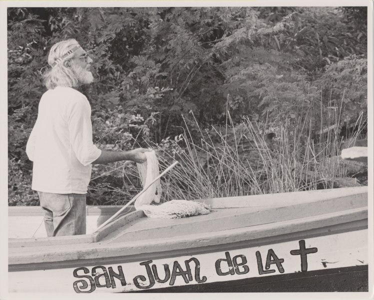 Cardenal at Solentiname, photo by Sandra Eleta, 1974